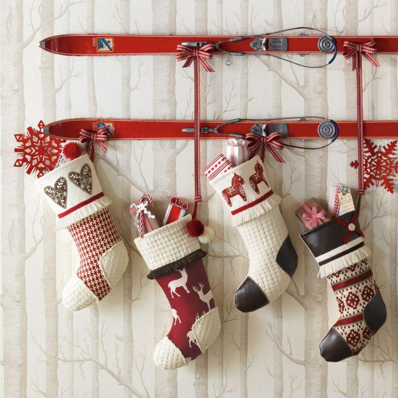 świąteczna dekoracja narty
